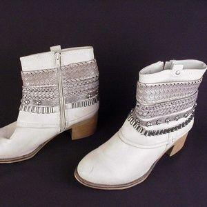 Carlos by Carlos Santana womens 9 M ankle boots